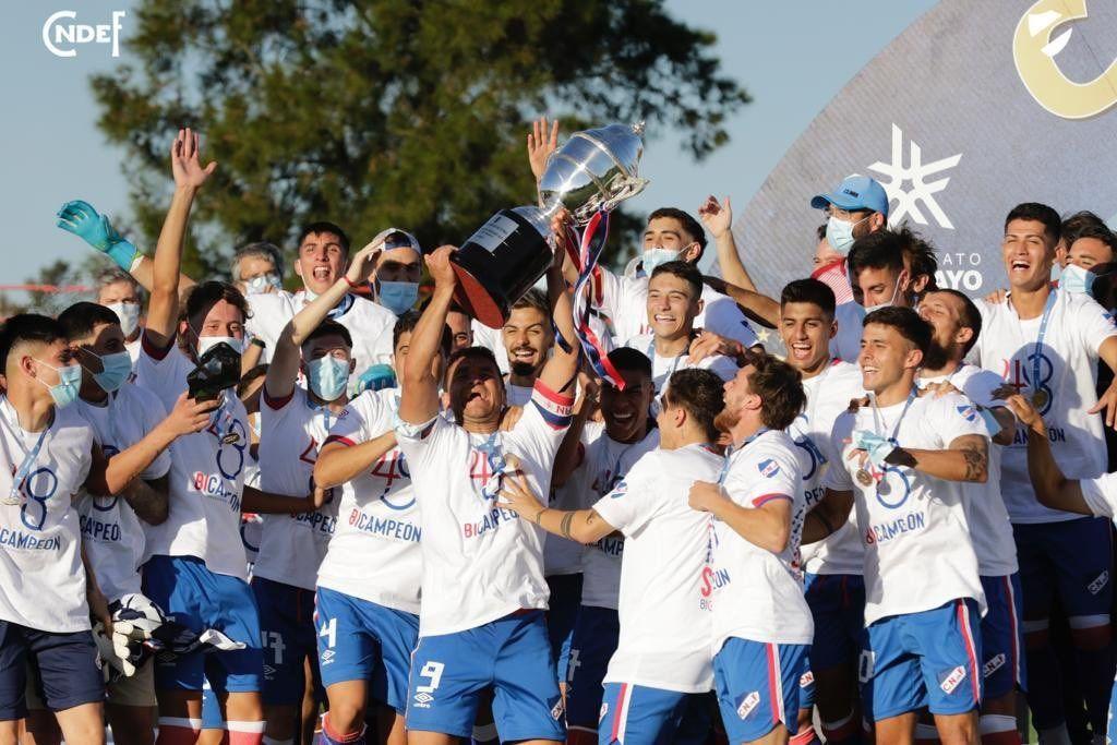 Nacional festejó un nuevo título en Uruguay