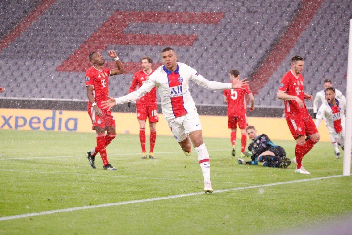 Mbappé marcó un doblete para el PSG.
