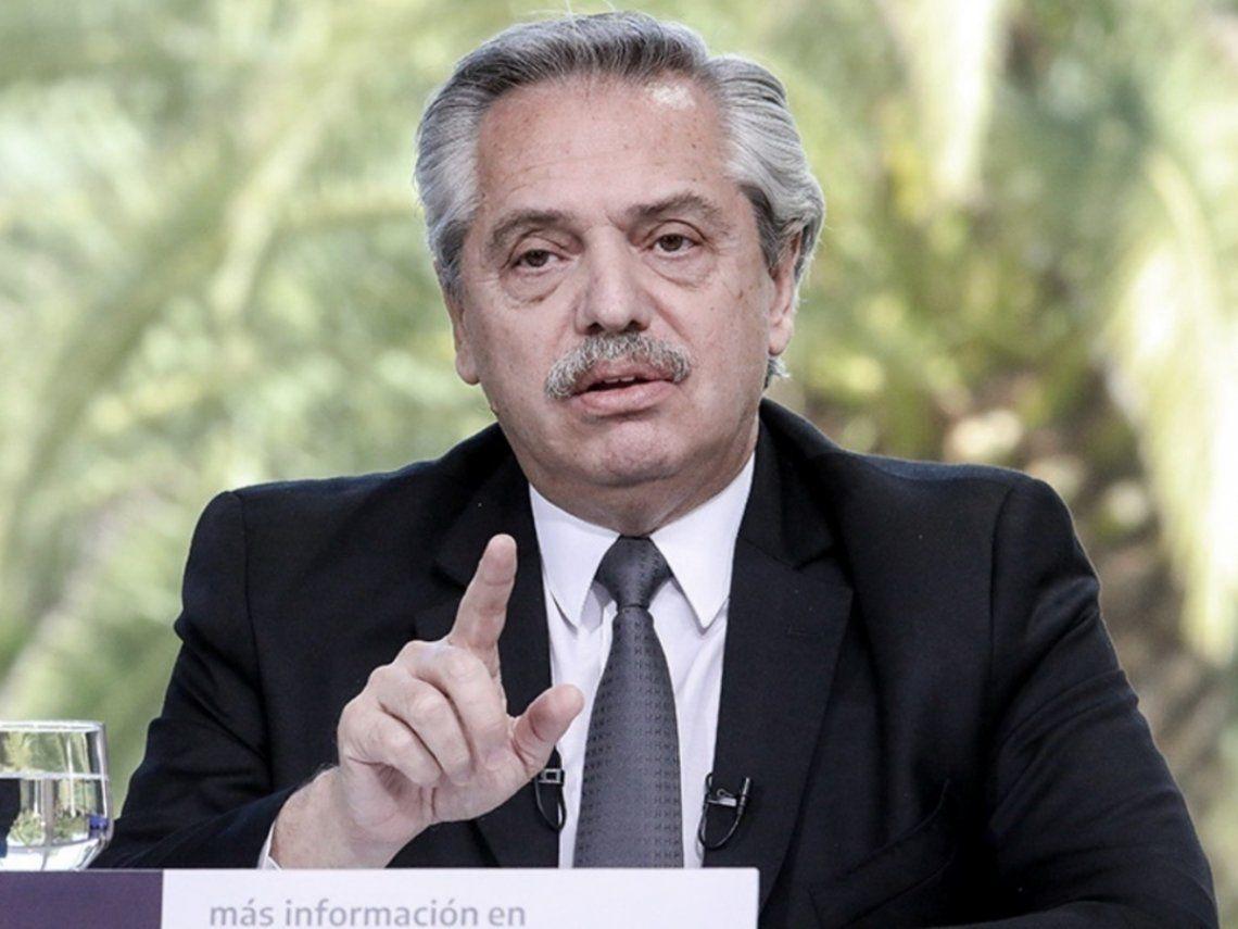 Fernández anunció que se asignarán $15.000 extra a beneficiarios de asignaciones
