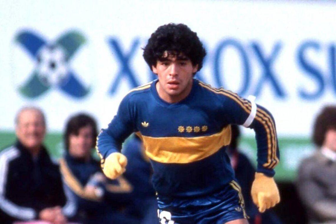 Se cumplen 40 años del golazo de Maradona bajo la lluvia en el superclásico disputado en La Bombonera