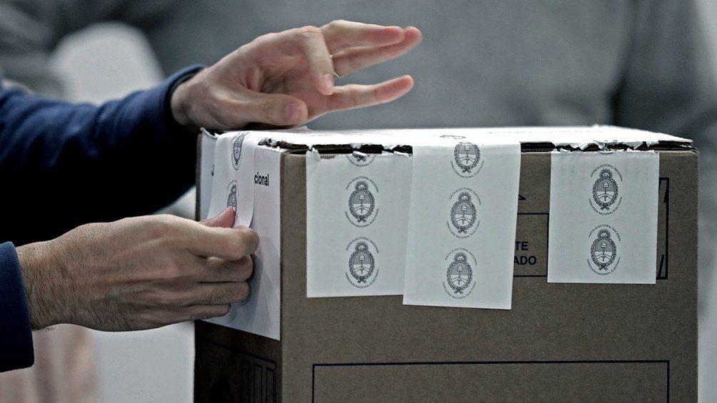 El Gobierno de la Nación pretende acordar con la oposición la postergación de las elecciones