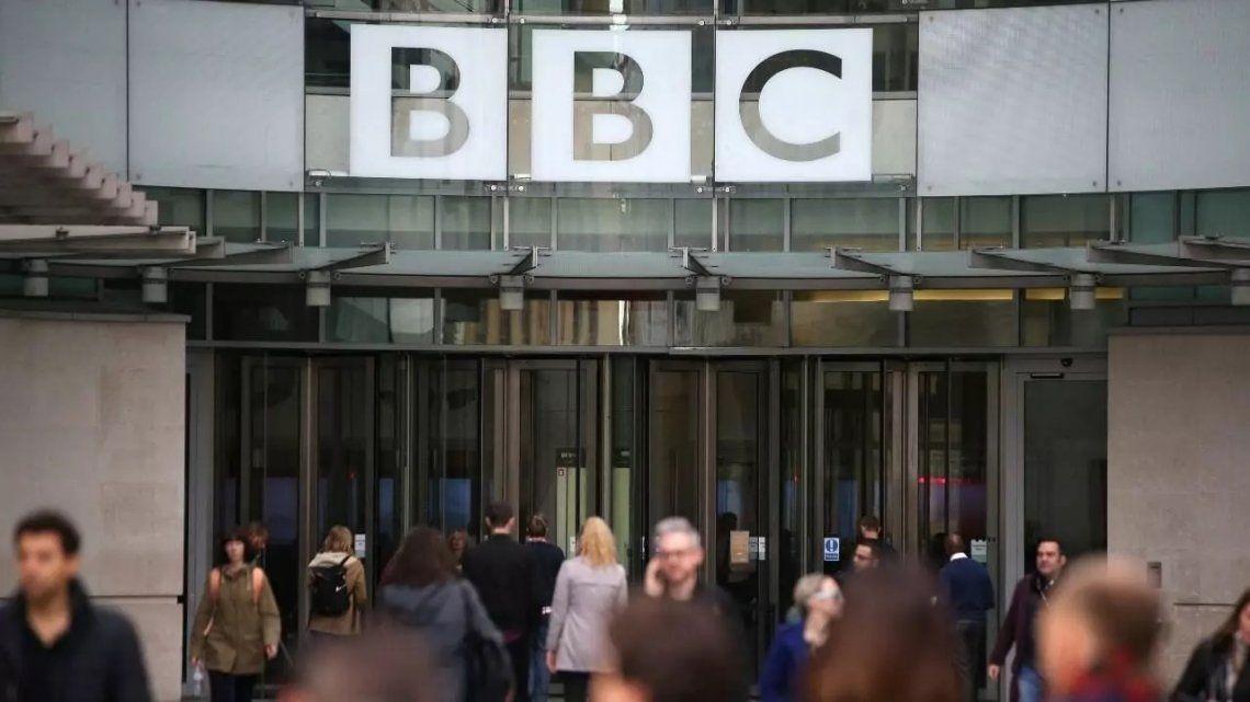 Reino Unido: críticas por la cobertura excesiva del fallecimiento de Felipe