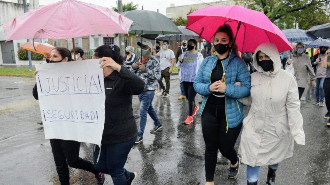 Rosario: Marcha por la libertad del joven que atropelló y mató a dos delincuentes.