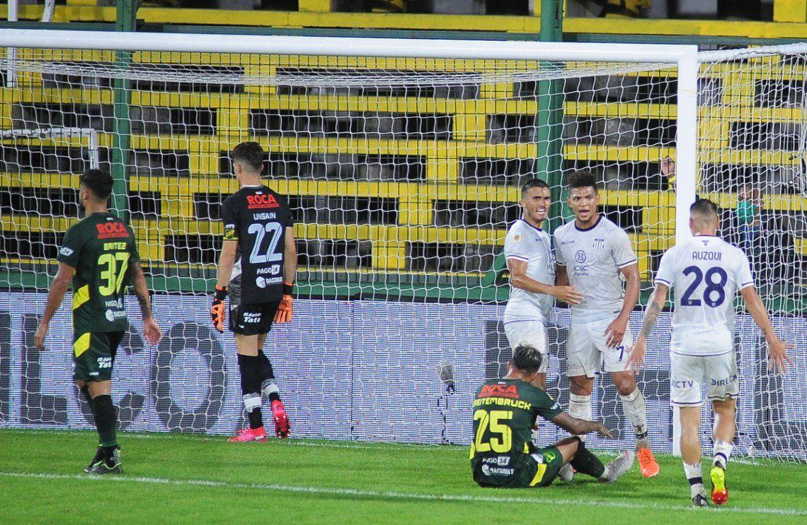 Insólito: Defensa y justicia hizo todos los goles pero empató.