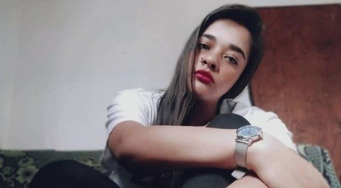 Ayelén Arredondo fue asesinada por el remisero durante el asalto.