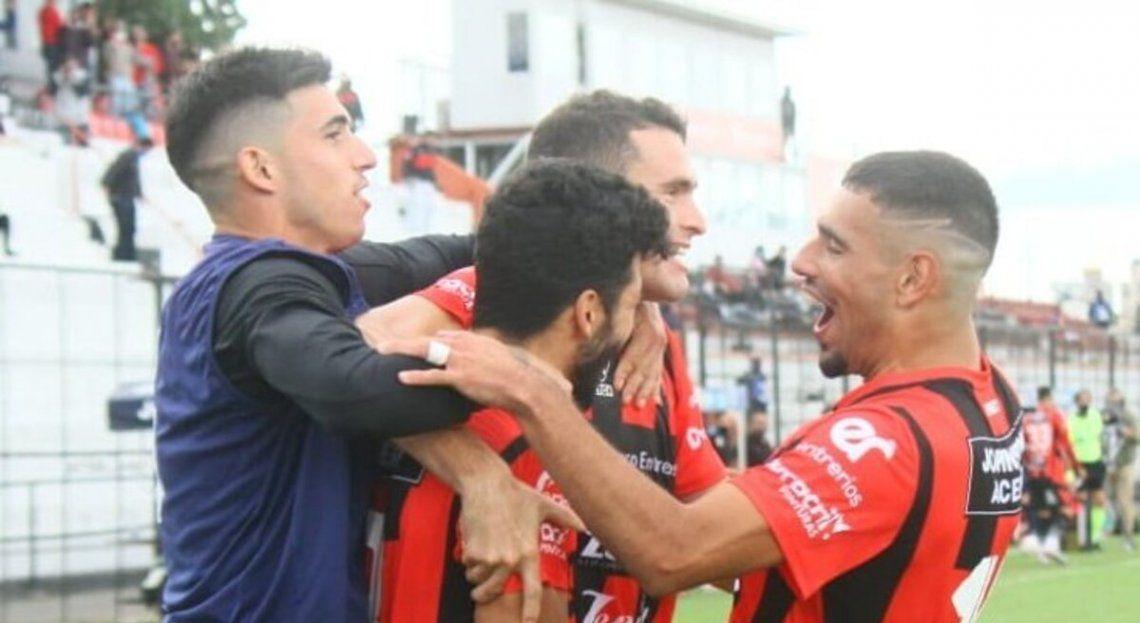 Patronato ratificó su levantada y goleó a Gimnasia en Paraná