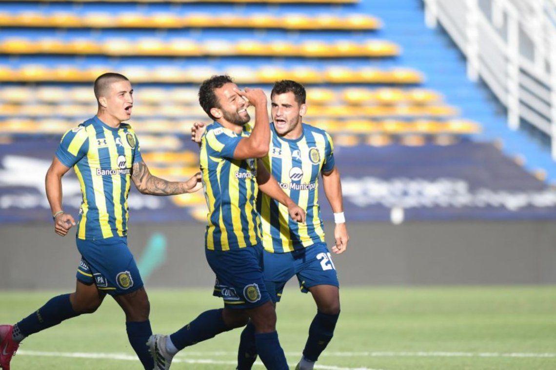 Lucas Gamba marcó el segundo de Rosario Central.