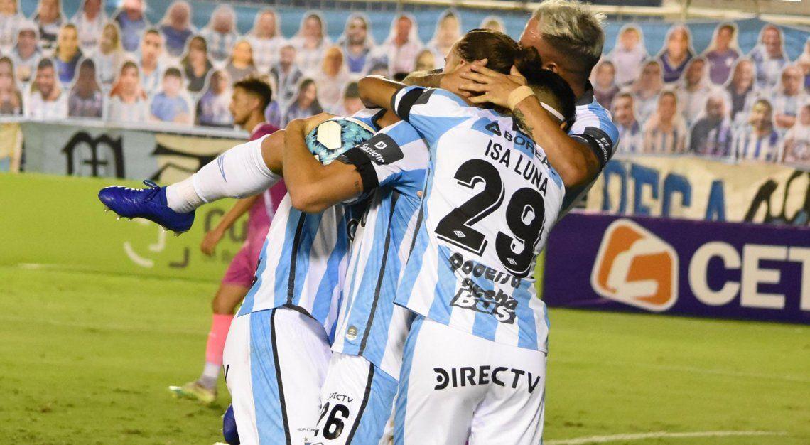 Vélez tropezó en Tucumán y no pudo sacar más ventaja