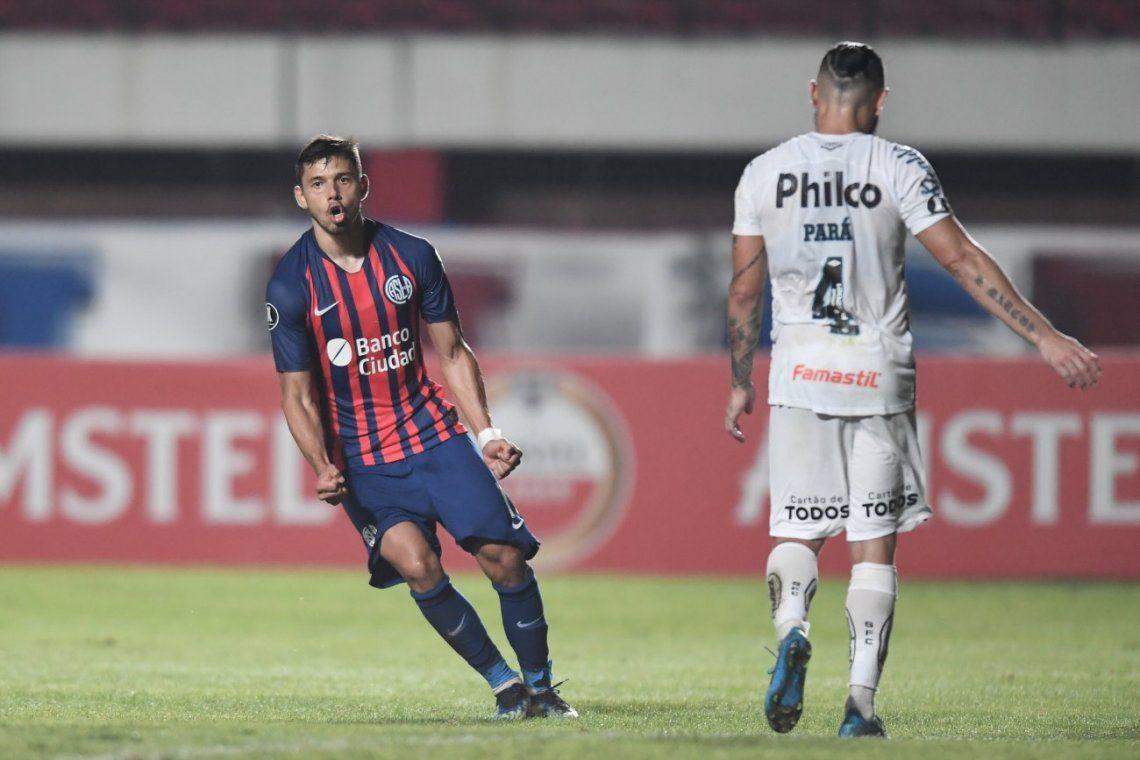 San Lorenzo va por el milagro con los Romero desde el inicio