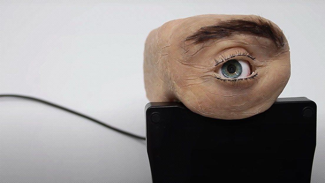 Cámara web con forma de ojo.