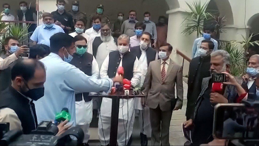 Pakistán: periodistas enfrentados a un ministro.