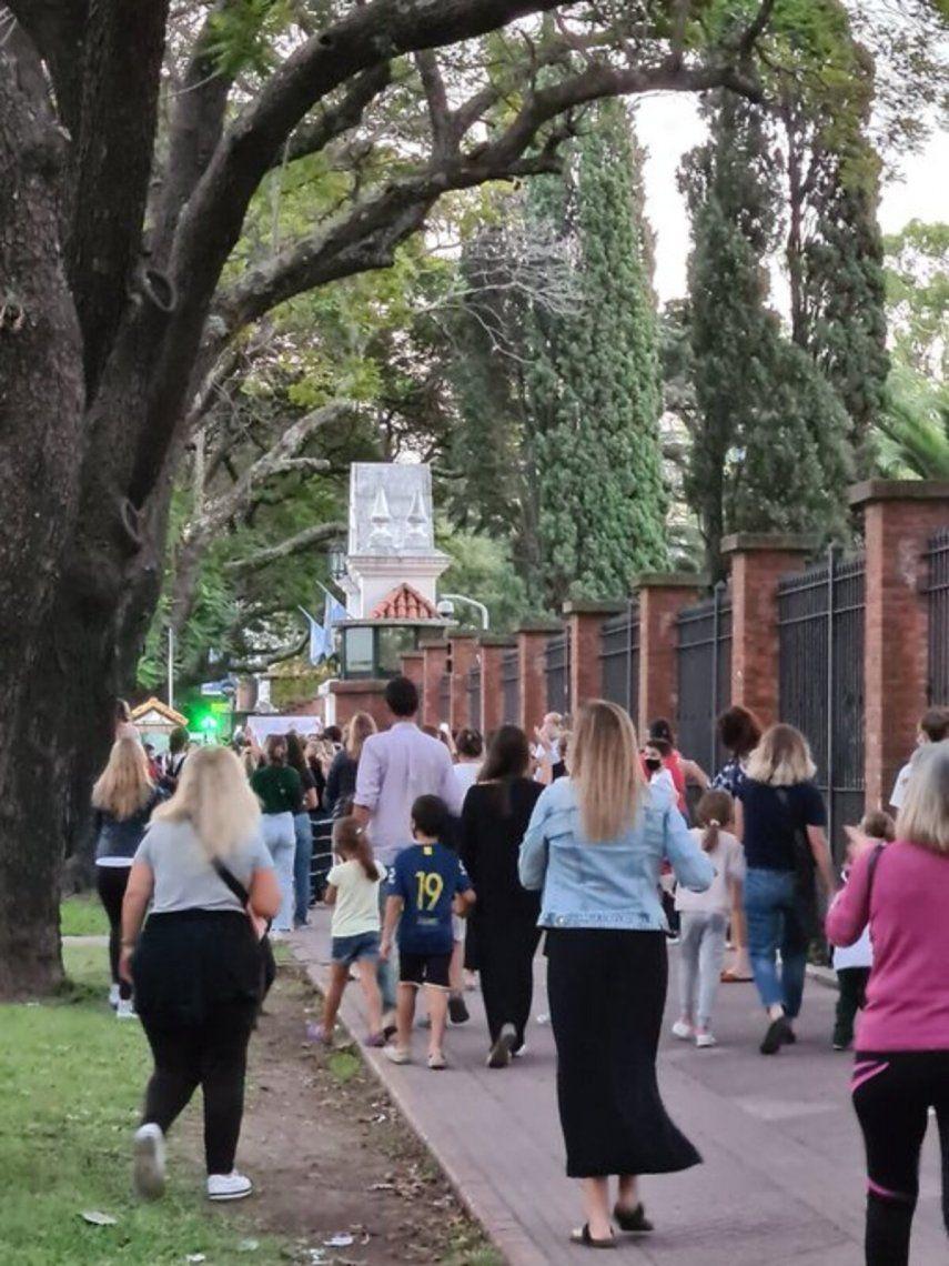 Protesta frente a la quinta de Olivos