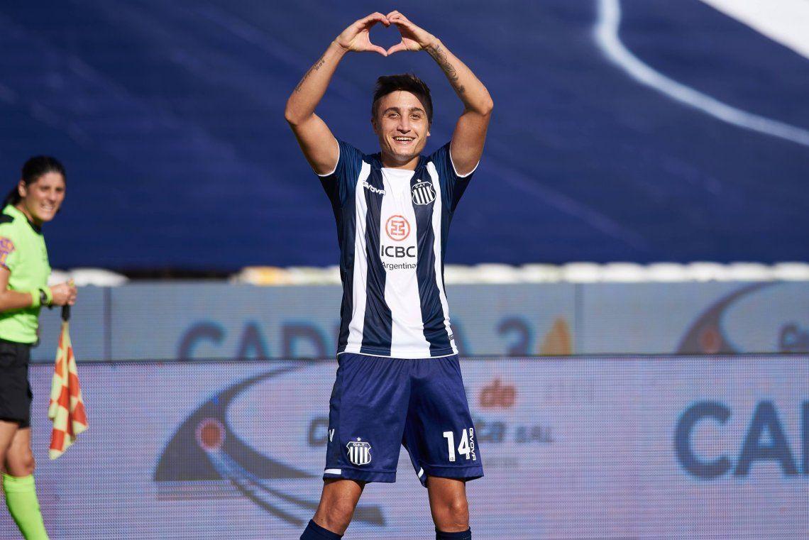 Nahuel Tenaglia festeja el segundo gol de Talleres