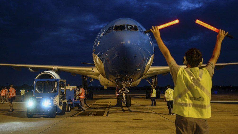 Parte otro vuelo a Moscú para traer más vacunas Sputnik V