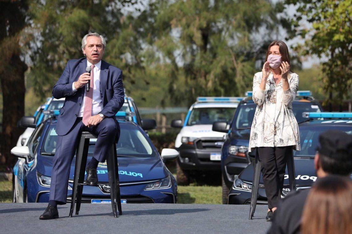 Fernández con la ministra de Seguridad.