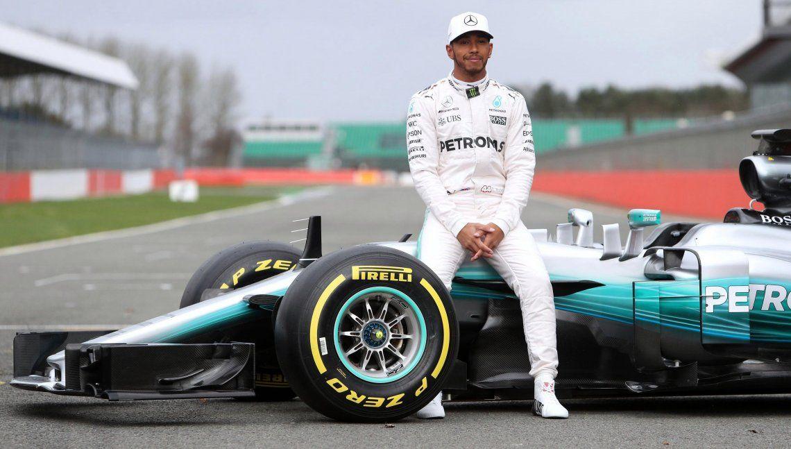 Una nueva pole position para Lewis Hamilton y van... 99