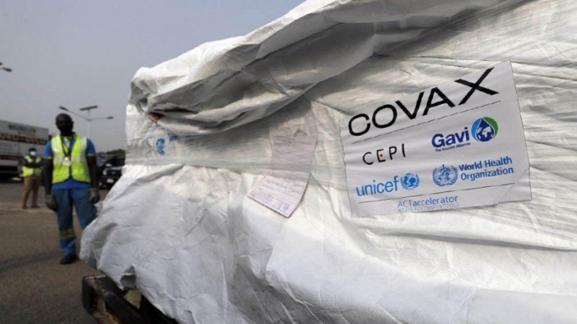 Llegaron vacunas AstraZeneca del programa Covax