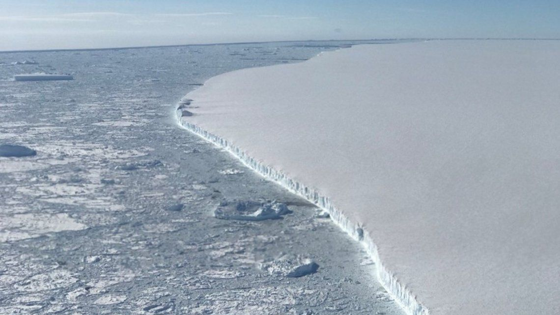 Antártida: se derritió uno de los icebergs más grandes del mundo