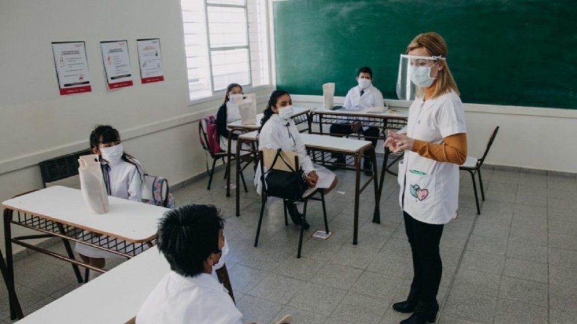 Ciudad: Legisladores del Frente de Todos denunciaron a los jueces que autorizaron la presencialidad en escuelas porteñas