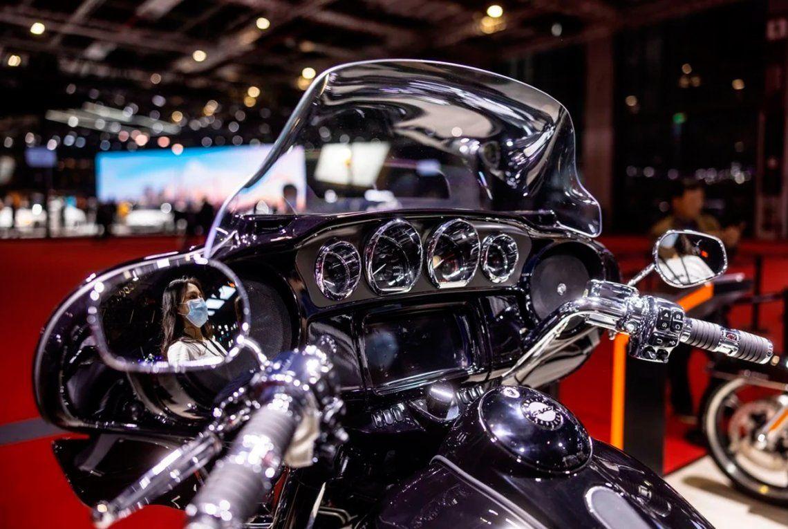 Stand Harley-Davidson de la feria Auto Shanghai 2021. Foto: EFE / EPA