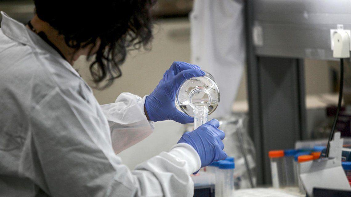 Las científicas y médicos que lideraron la investigación son del Instituto de Microbiología y el Posadas.