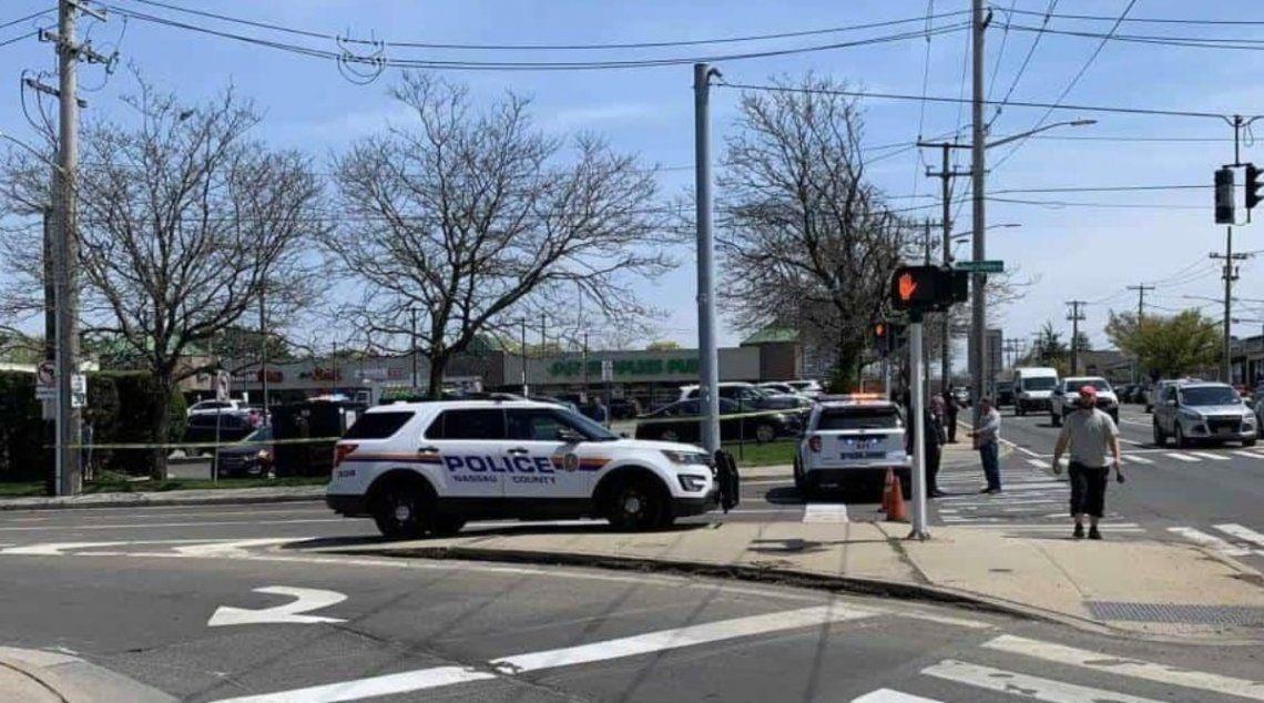 La Policía se encuentra investigando el suceso y en búsqueda del autor que se dio a la fuga.