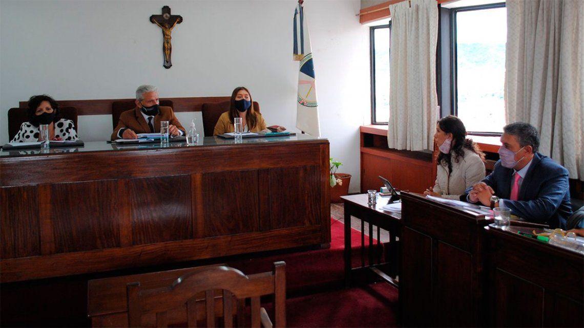Jujuy: dos hombres y una mujer