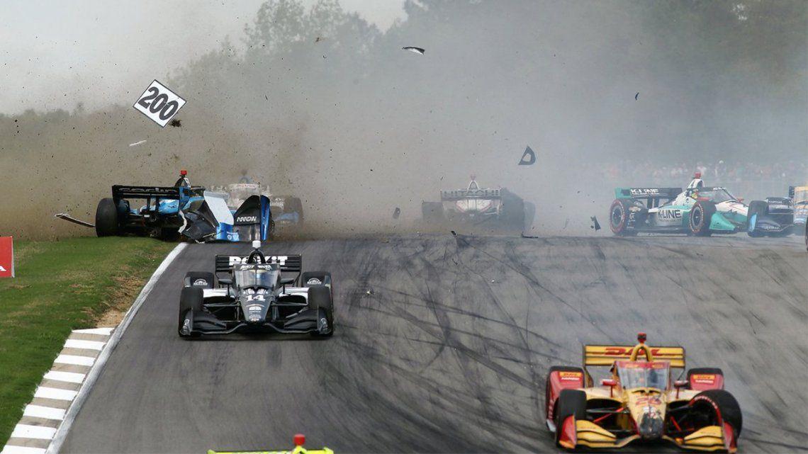 Indycar: Un accidente a 180 kilómetros que rozó la tragedia.