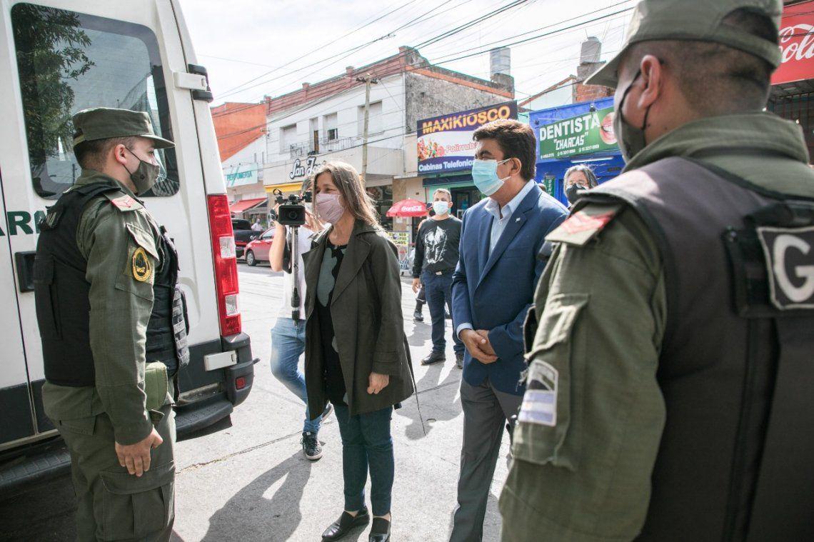 Frederic y Espinoza supervisaron el trabajo de la Gendarmería