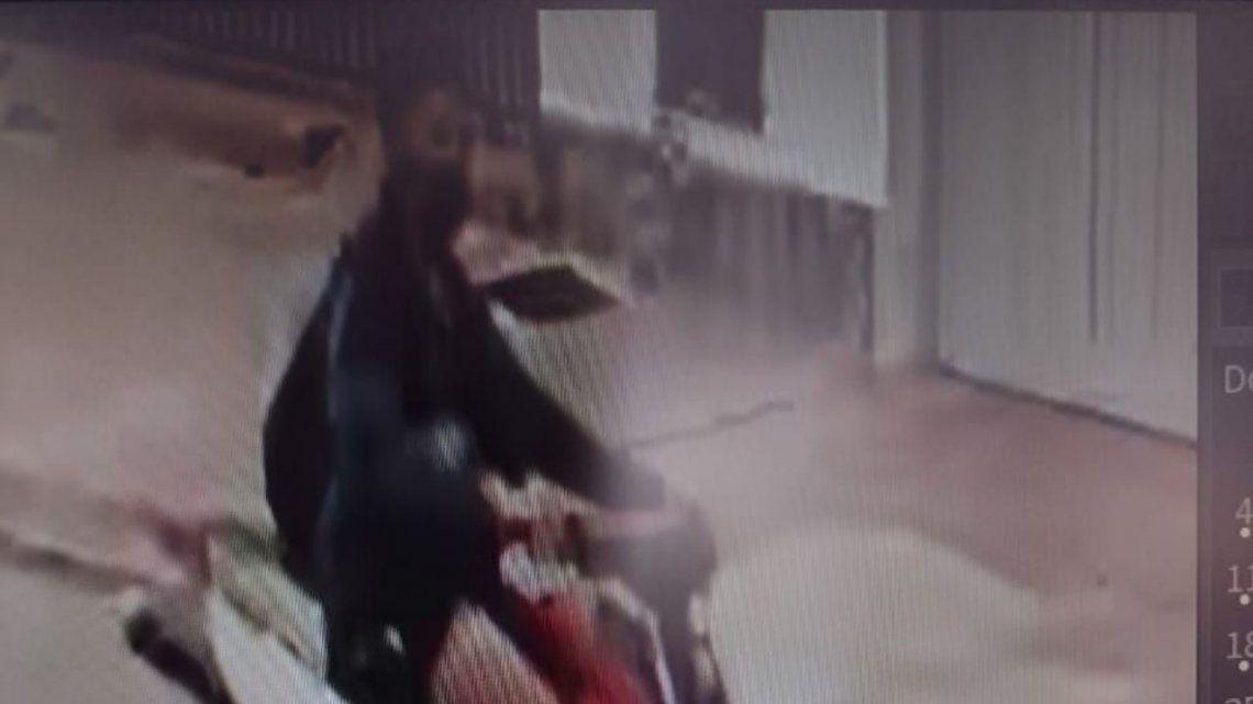 Salta: atropelló con su moto a nena de 3 años y la pateó para desengancharla: lo dejaron libre