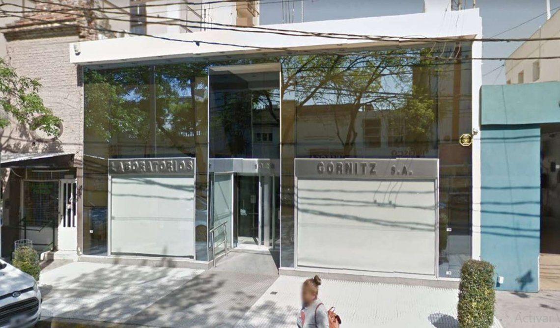 Córdoba: las bioquímicas fueron denunciadas por un laboratorio.