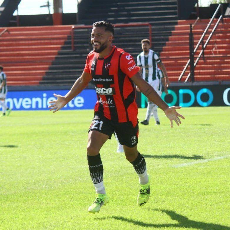 Patronato aprovechó su oportunidad y liquidó a Sarmiento