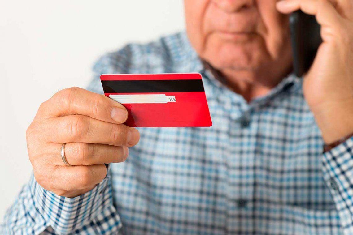 Provincia: Las estafas bancarias son el problemas más frecuentes de los adultos mayores.