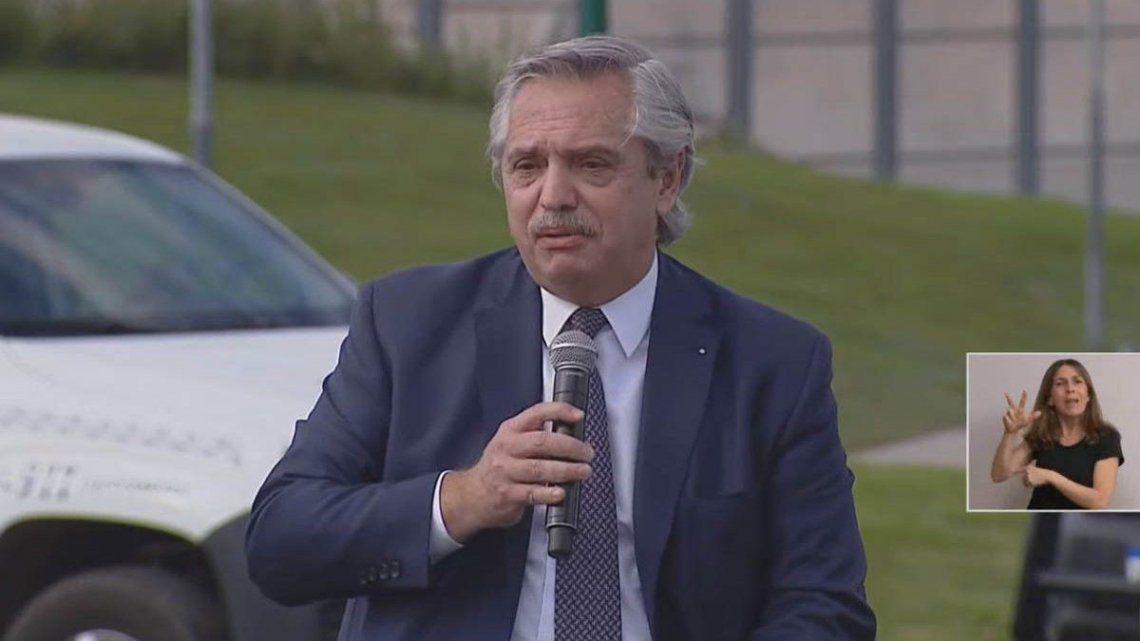 Alberto Fernández encabezó un acto en Merlo y recordó a Mario Meoni.
