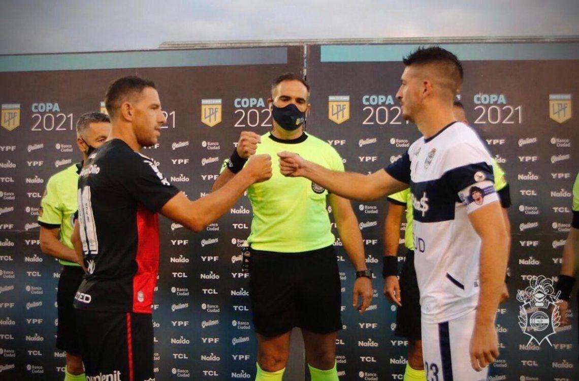 Gimnasia emapta 0-0 ante Newell´s en el PT.