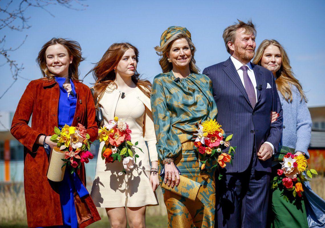 La popularidad de la familia real holandesa pasó de un 76% en abril del año pasado a un 57% en la actualidad.