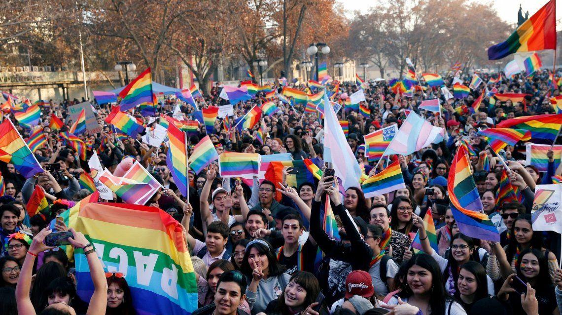 Chile: 89% comunidad LGTB+ sufrió discriminación (Foto: marcha del Orgullo Gay en Santiago)