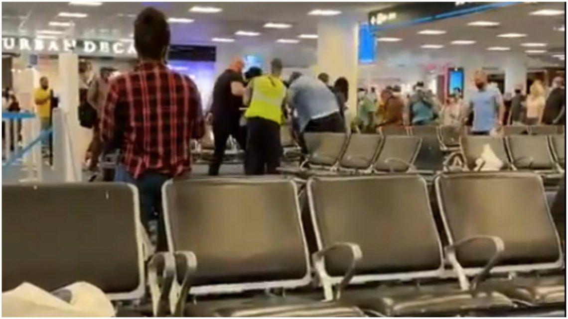 Miami: pelea en el aeropuerto.