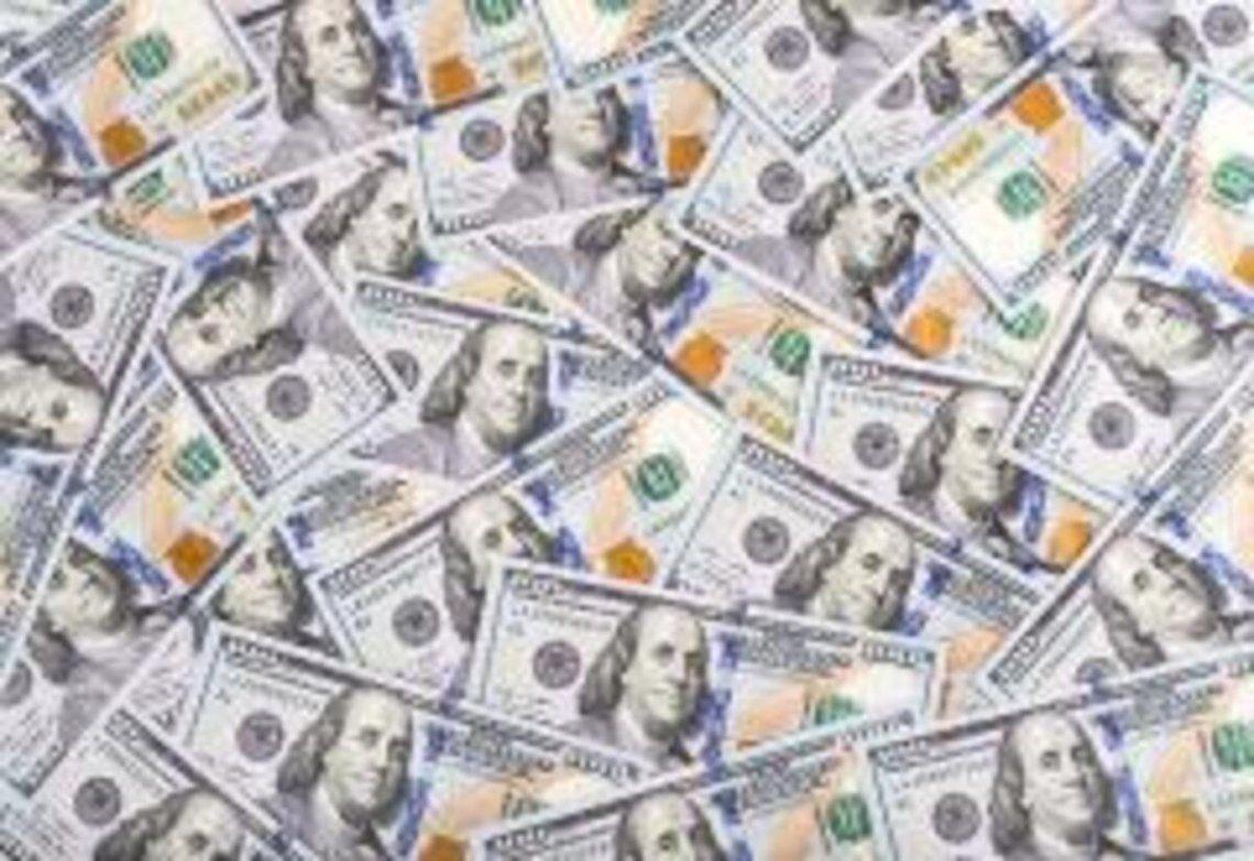 El dólar blue cerró el mes a 150 pesos.