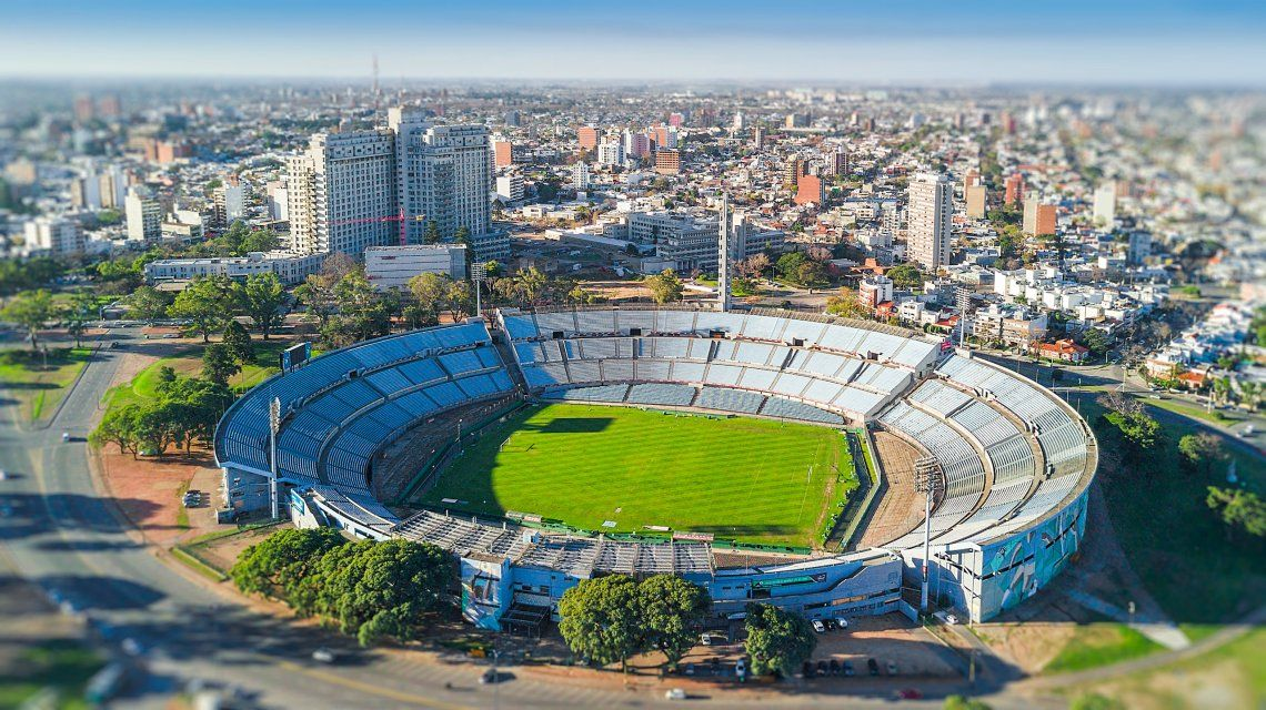 El estadio Centenario de Montevideo recibiría a la final de la Copa Libertadores