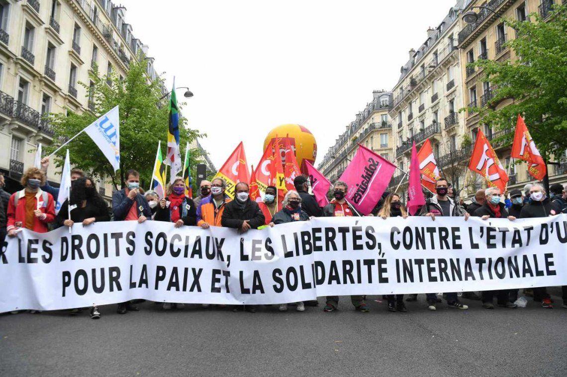 Francia: Enfrentamientos entre la policía y los manifestantes en el Día del Trabajador