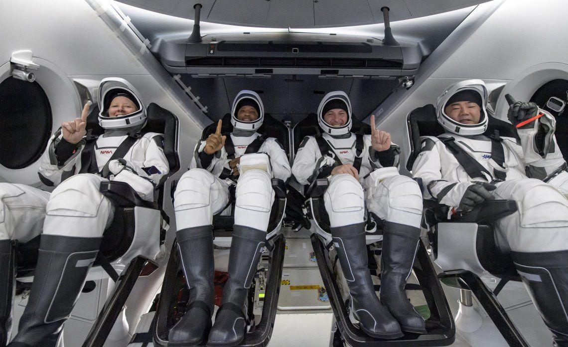 Viajaron los astronautas de la NASA Shannon Walker
