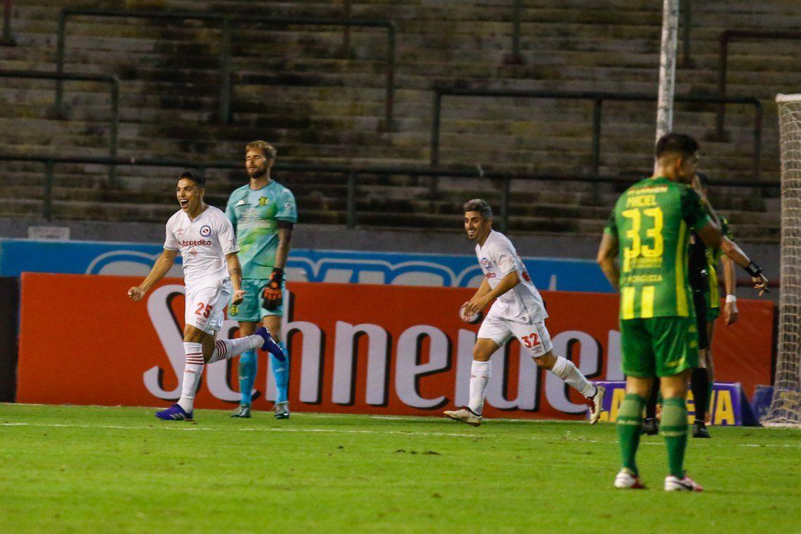 Argentinos Juniors venció 3 a 1 a Aldosivi en Mar del Plata.