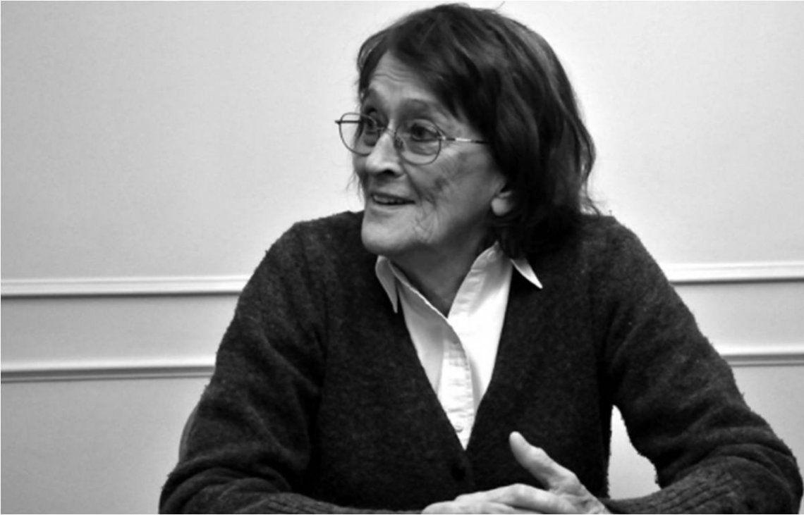 Los restos de Alcira Argumedo serán velados en el Congreso.