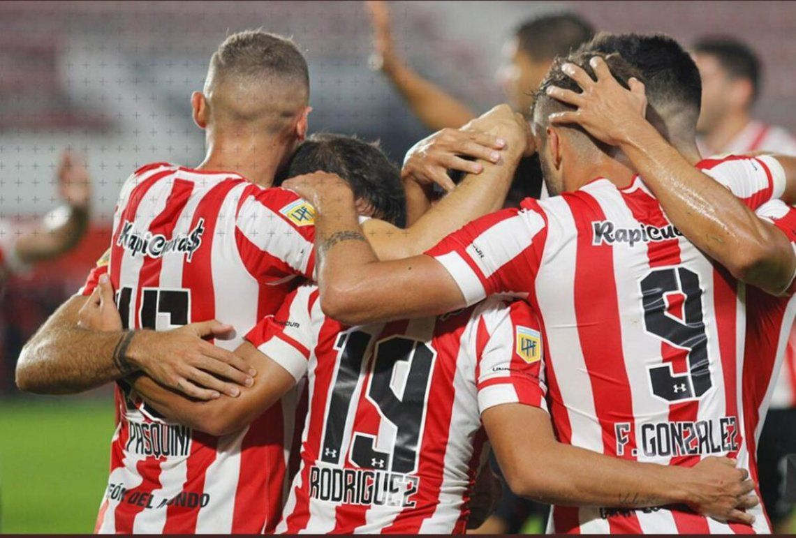 Estudiantes de La Plata ganó 2-0 de local ante Platense.