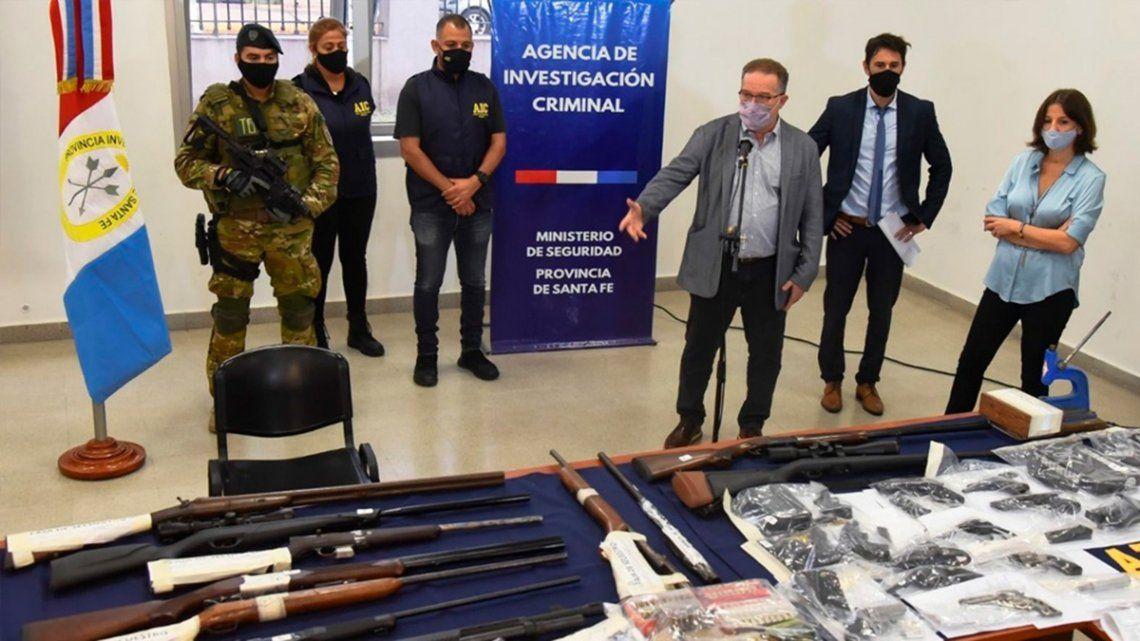 Se secuestraron 31 armas -entre ellas 11 fusiles y 11 de puño de grueso calibre- y más de 3.500 municiones