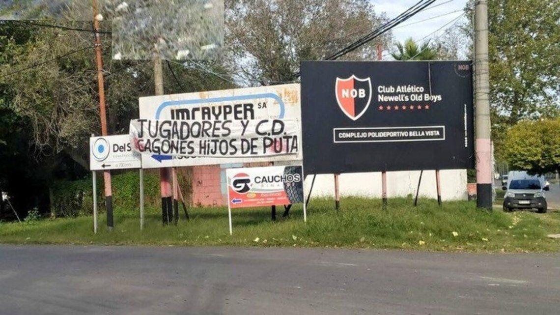 Pasacalles desafiantes contra el plantel de Newells Old Boys de Rosario