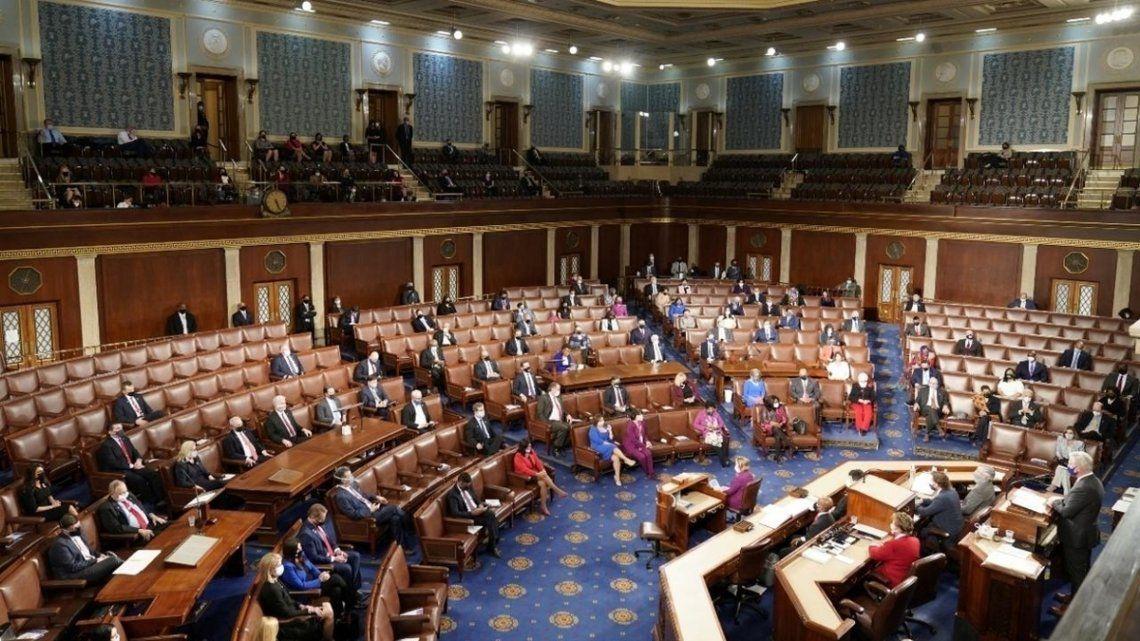 Legisladores demócratas pidieron que el FMI suspenda el cobro de vencimientos hasta que concluya la pandemia.