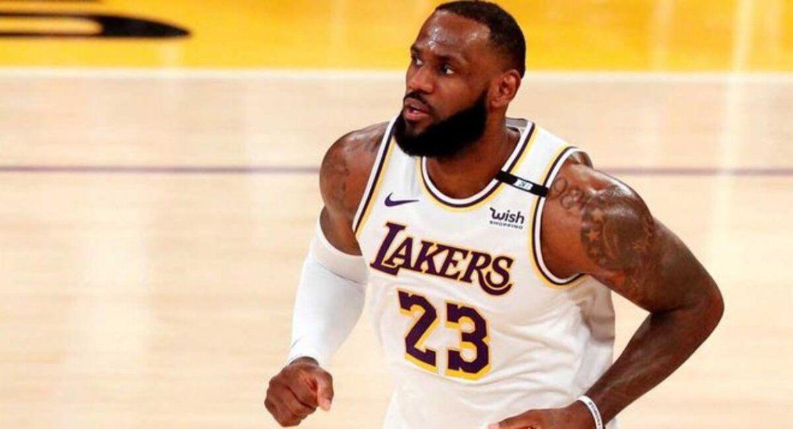 El basquetbolista LeBron James compró acciones del Málaga de España