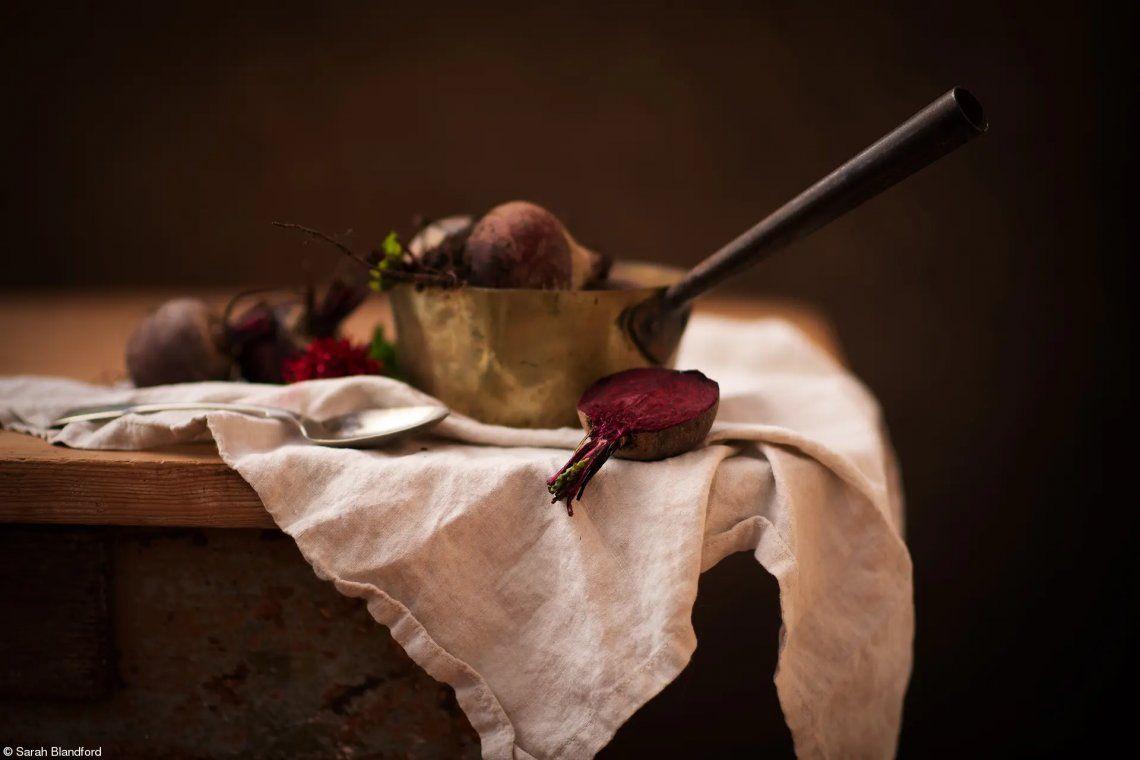 Estudiante Fotógrafo de Alimentos del Año patrocinado por The Royal Photographic Society: Remolachas Bodegón por Sarah Blandford